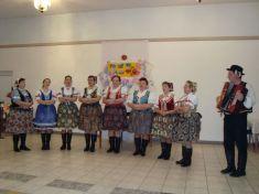 O dobrú fašiangovú náladu sa postarali svojim vystúpením ženy zo speváckej skupiny Gečanka